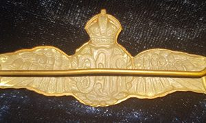 WW1 British Hollow Backed R.F.C Officers Bronze Pilots Wings 1.8414