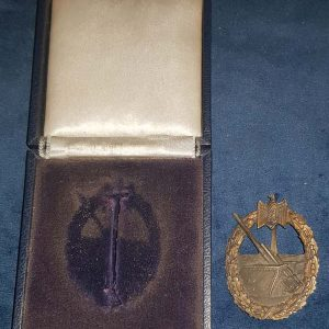 WW2 Boxed German Kriegsmarine Coastal Artillery Badge 2.13062