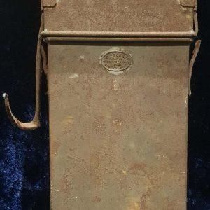 WW1 British Folding Bunker Lantern & Case   1.8457