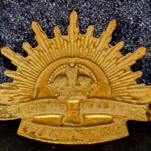 WW1 ANZAC Rising Sun Slouch Hat Pagri Badge  B.8459