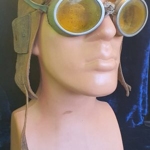 WW1 Royal Flying Corps Helmet & Goggles.     1.8529